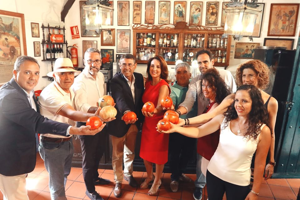 Arrancan las Jornadas Gastronómicas del Tomate Huevo Toro, rey de la gastronomía estival malagueña.