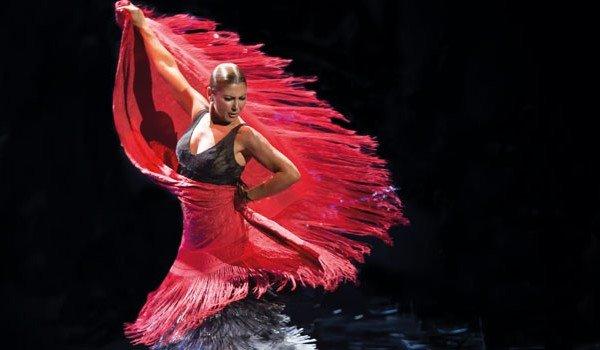 La consagrada bailaora de flamenco Sara Baras  amadrina la cata-concurso-subasta tomate Huevo Toro 2019